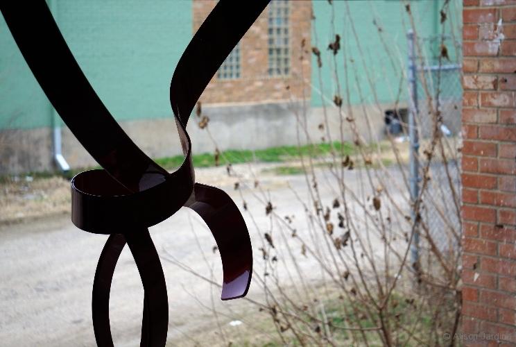 5-jardine-knot-loadingdoor
